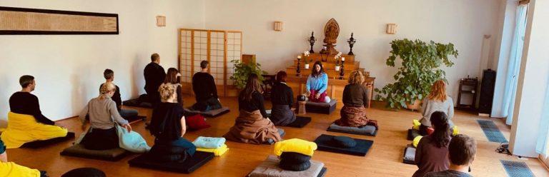 Meditationskurse Schweigen